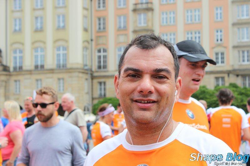 So sieht ein glücklicher Halbmarathon Finisher aus