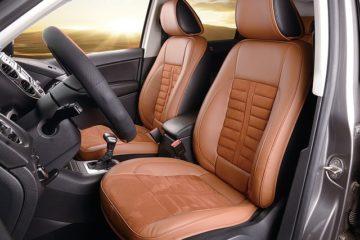 Fahrzeuginnenraum von einem Auto